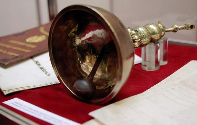 The parliamentary bell of Anthim I used during Bulgaria's Constituent Assembly of 1879. Photo: BNT