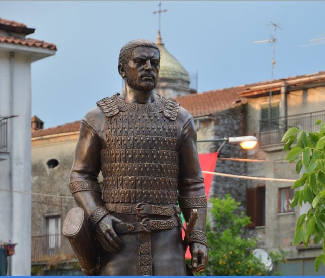 The newly opened monument of Ancient Bulgar leader (Khan) Altsek in the town of Celle di Bulgheria in Southern Italy. Photo: Bulgarian Embassy in Rome