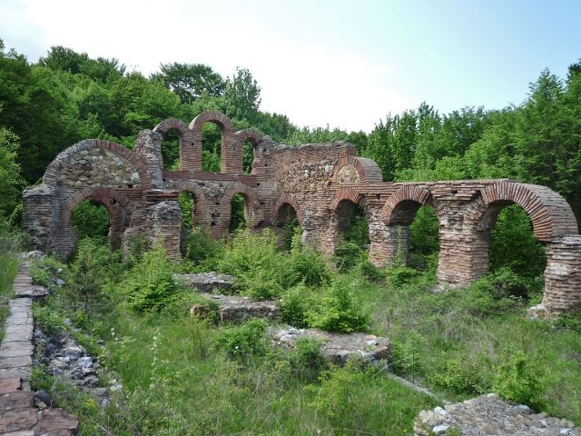 The ruins of the Early Christian / Early Byzantine Belovo Basilica near Bulgaria's Golyamo Belovo. Photo: Bobby Stefanov, Wikipedia