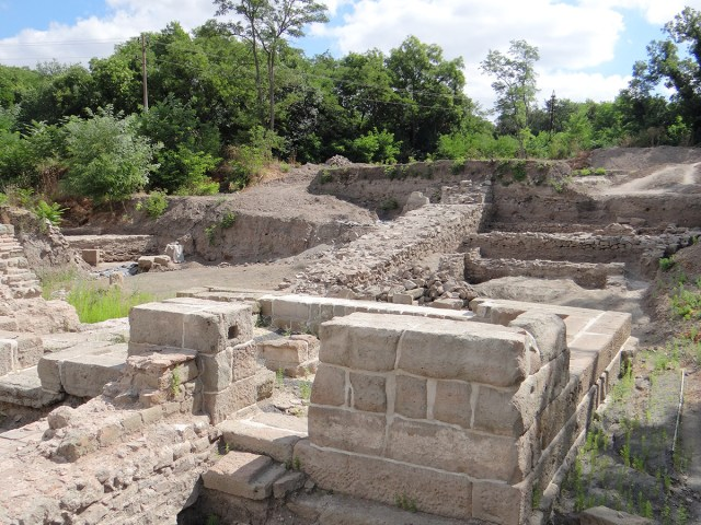 The ongoing excavations in Aquae Calidae - Thermopolis have revealed monumental architecture from the Late Antiquity period. Photos: Burgas Regional Museum of History