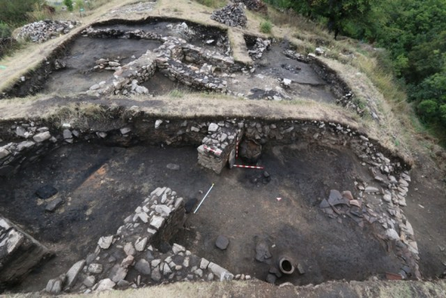 The ruins of the Kalyata Fortress exposed during the 2016 excavations. Photos: National Museum of History