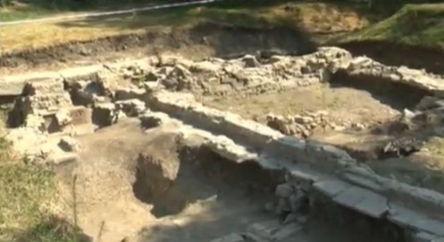 The unearthed ruins of the commerce control office in the Ancient Roman city of Nicopolis ad Istrum in Central North Bulgaria. Photo: TV grab from BNT