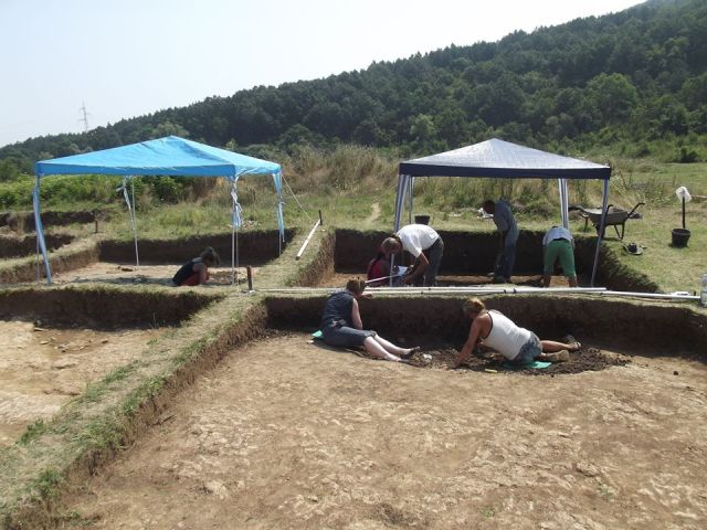 The Early Neolithic settlement in Bulgaria's Ohoden belonged to the Kercha prehistoric culture. The 2016 excavations have marked the 15th archaeological season in a row since its discovery. Photo: Vratsa Regional Museum of History