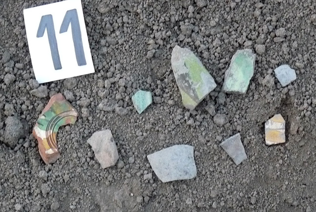 Ceramic fragments and supposed archaeological artifacts discovered at the arrested treasure hunters. Photos: Interior Ministry Press Center