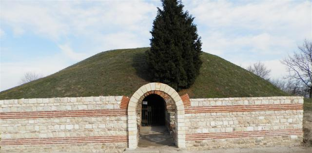 The entrance of the Roman Era Ancient Thracian tomb and mausoleum near Bulgaria's Black Sea town of Pomorie. Photo: Pomorie Municipality