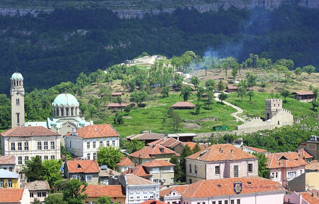 A view of the Trapesitsa Hill during the restoration. Photo: Veliko Tarnovo Municipality