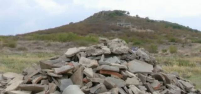 Late Antiquity construction materials from the newly discovered and newly excavated 4th century AD quarter in Kabyle near Bulgaria's Yambol. Photo: TV grab from BNT
