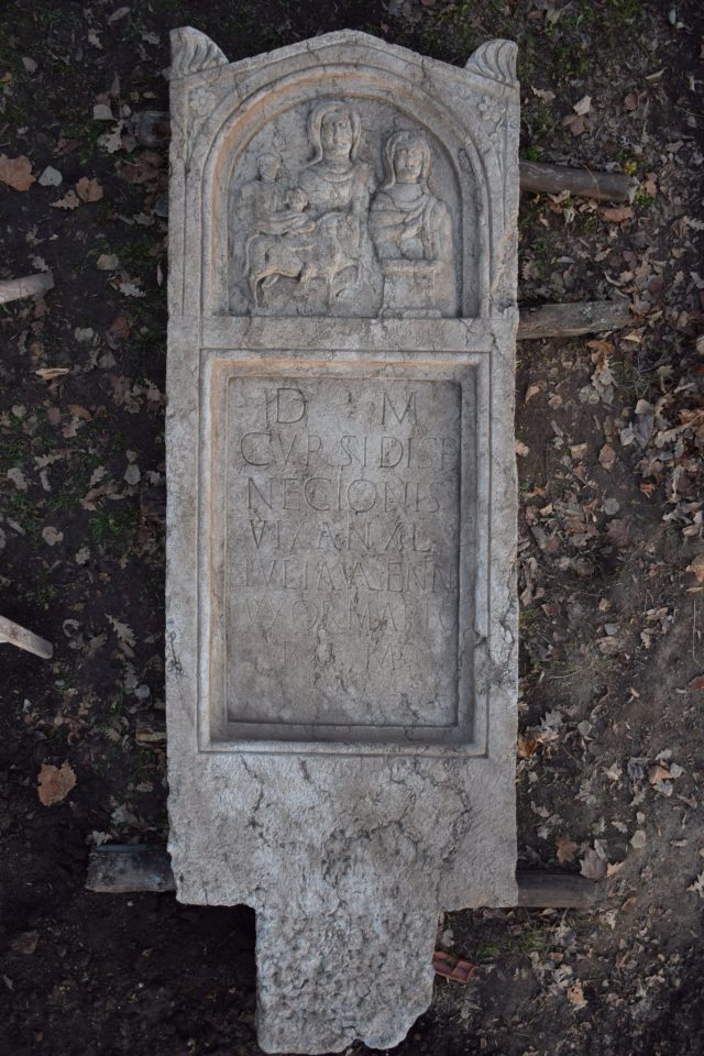 The gravestone found in a field near the Ancient Roman ceramics factory in Bulgaria's Pavlikeni is huge, weighing some 2 metric tons. Photo: Archaeologist Kalin Chakarov