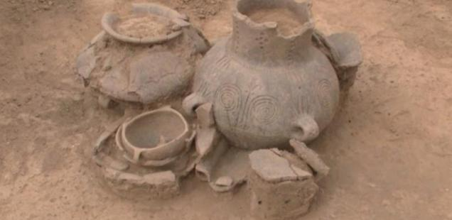 3,400-Year-Old Encrusted Ceramics Discovered in Bronze Age Necropolis at Bulgaria's Danube Town of Baley