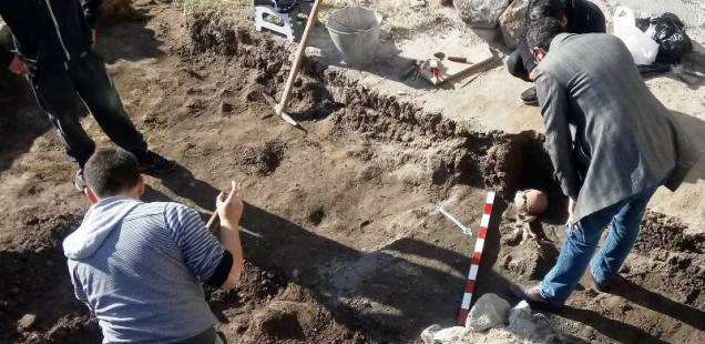 Archaeologists Find Medieval Grave with Skeleton with Arrow in Chest at Antiquity Odeon in Bulgaria's Plovdiv