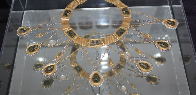 Marvelous 10th Century Preslav Gold Treasure Displayed after Conservation in Germany as Bulgaria's Veliki Preslav Marks 40th Year since Its Discovery