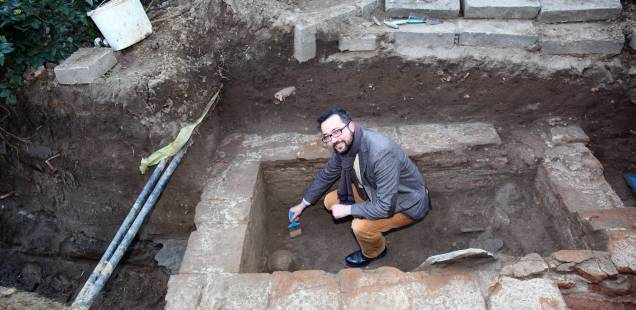 Ancient Roman Tomb Discovered by Accident in Medical University in Bulgaria's Plovdiv