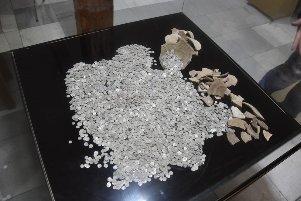 Prison Inmates Find Hoard of 7,000 Ottoman Silver Coins Hidden in 2 Treasure Pots in Bulgaria's Pleven
