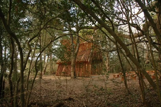 LOST PINES CHAPEL / MURRAY LEGGE