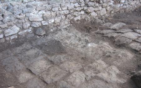 Piombinara - pavimentazione primo ambiente