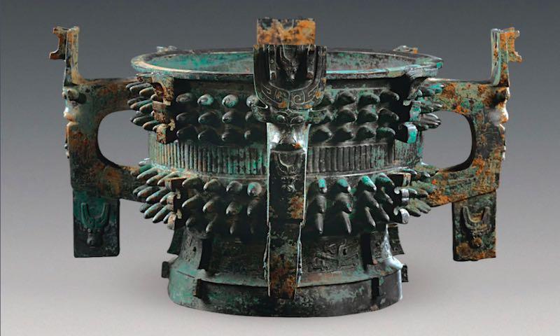 Splendides bronzes retrouvés dans une tombe chinoise vieille de 3100 ans