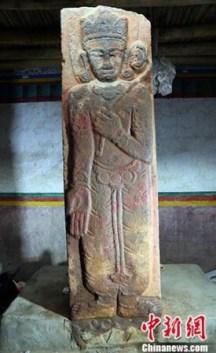 stele-puran-bouddha-tibet