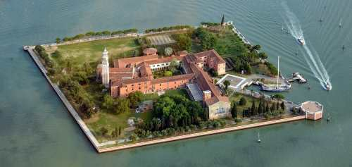 san-lazzaro-degli-armeni-vue-du-monastère-lagune-venise