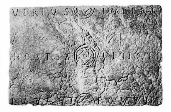 Fig. 1–Tabula lusoria de facture classique.