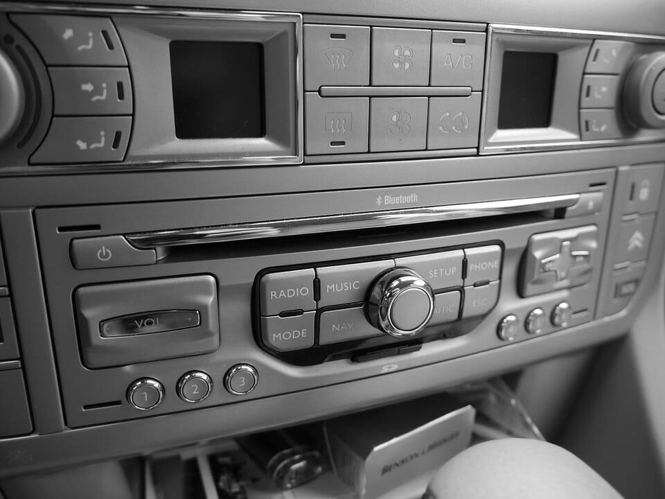 car radio autoradio-278132_960_720