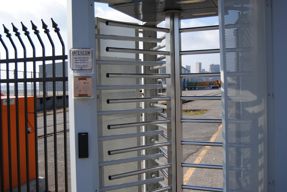 A revolving security gate demonstrates how a data diode works