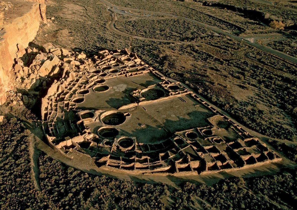 Pueblo Bonito in New Mexico / Chaco