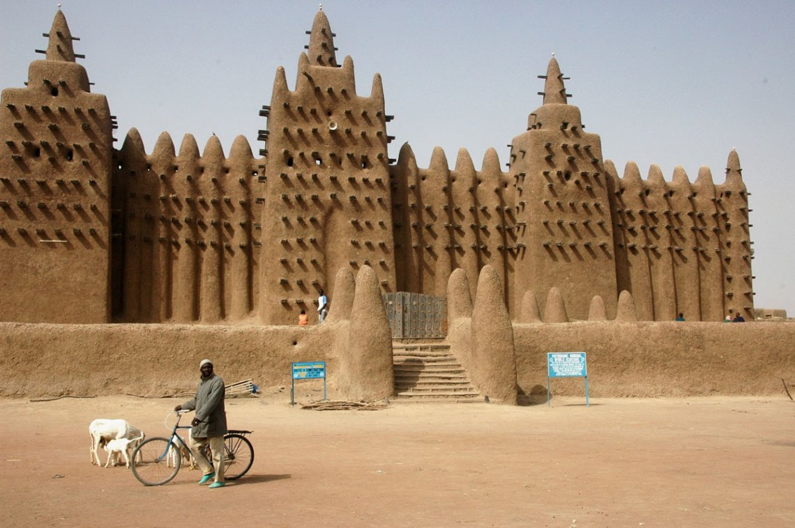Mud Architecture: The Great Mosque of Djenné