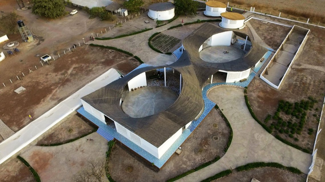 Thread: Artist Residency and Cultural Centre / Toshiko Mori Architects