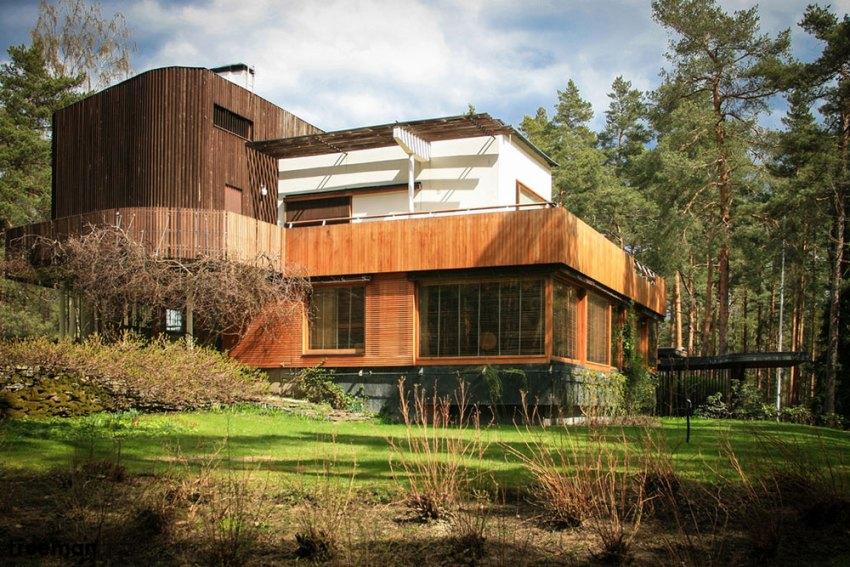 Facade of Villa Mairea by Alvar Aalto