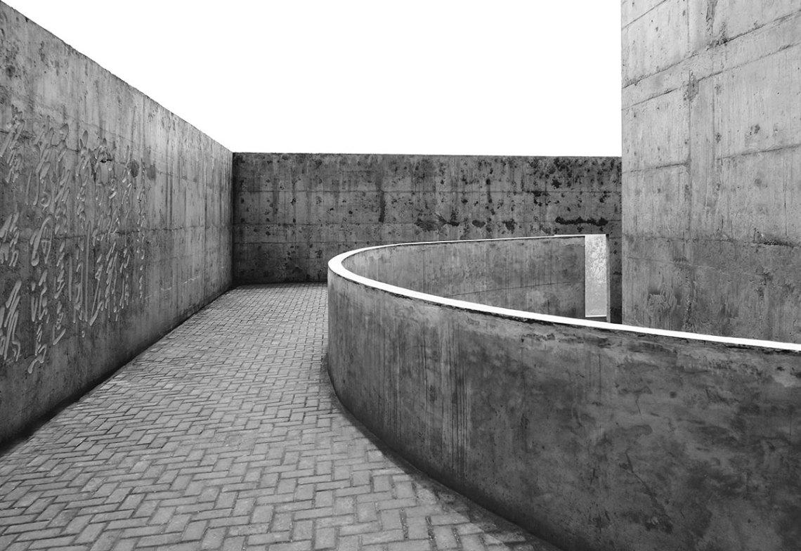 Concrete Memorial / West-line-studio