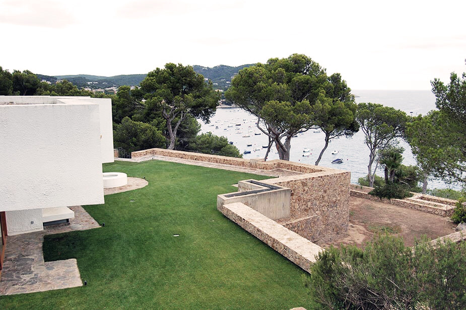 Bird View of Modernist House in Calella by Antonio Bonet Castellana
