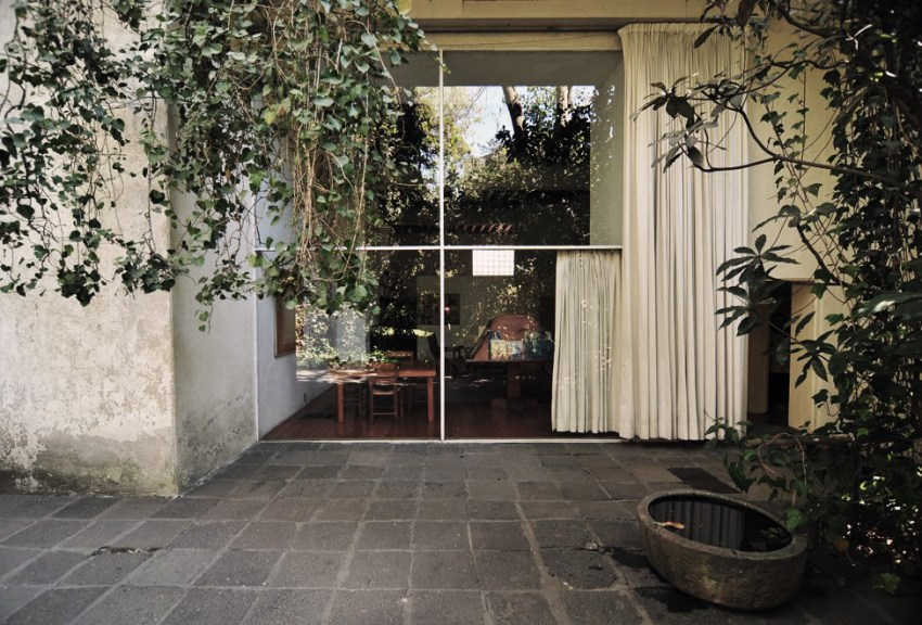 Luis Barragan residence glass wall