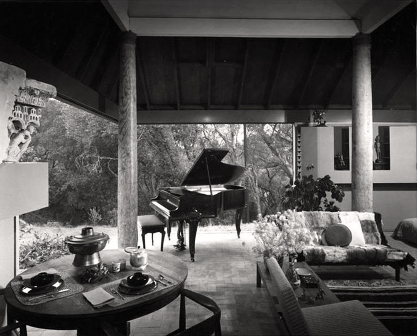 Piano and Living Room of the Moore House