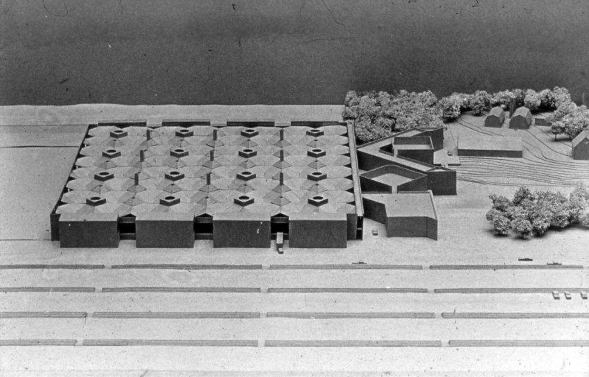 Aerial View of the Model of the Olivetti Underwood Factory in Pennsylvania / Louis Kahn