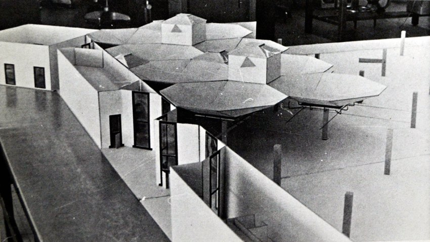 Model of the Olivetti Underwood Factory in Pennsylvania / Louis Kahn