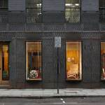 Facade Front view Paul Smith Retail Shop in London / 6a architects