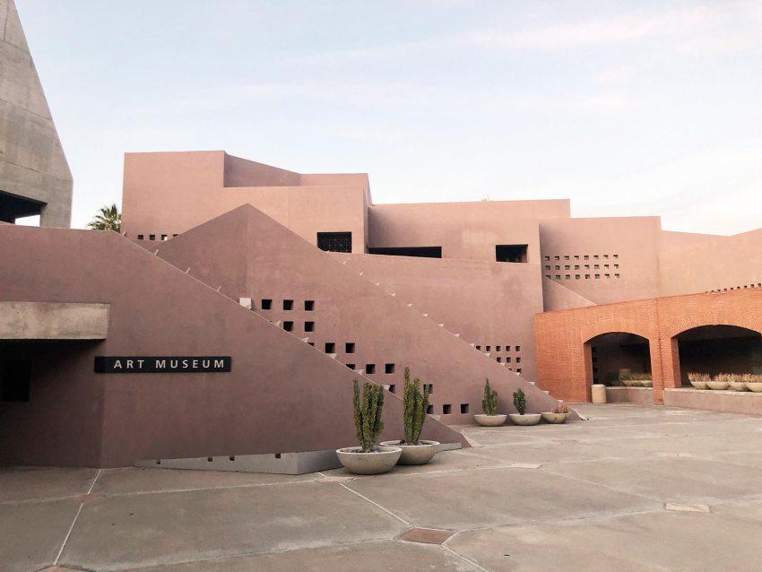 Color - Nelson Fine Arts Center in Phoenix / Antoine Predock