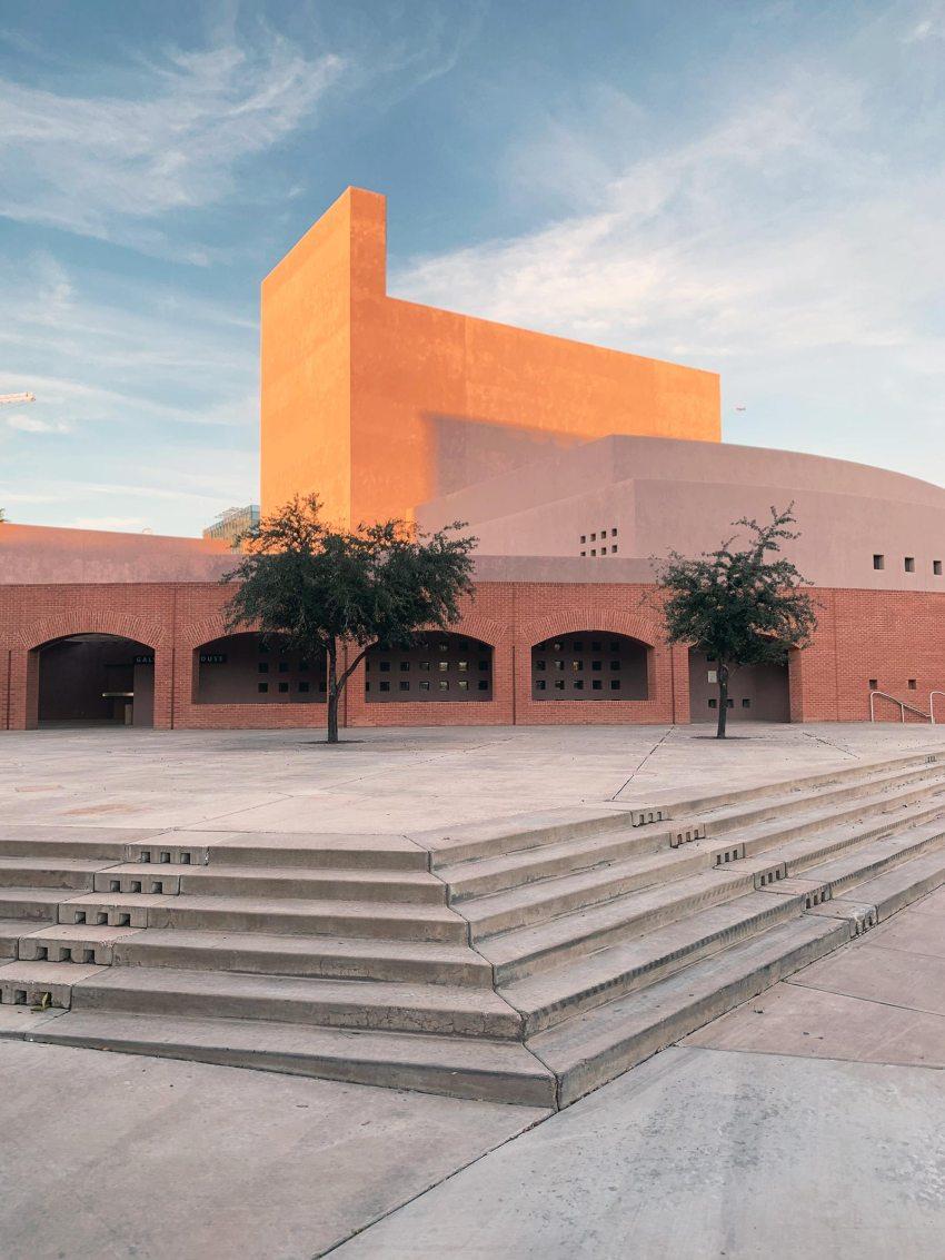 Stairs - Nelson Fine Arts Center in Phoenix / Antoine Predock