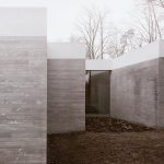 Exterior - House in a Park / Think Architecture