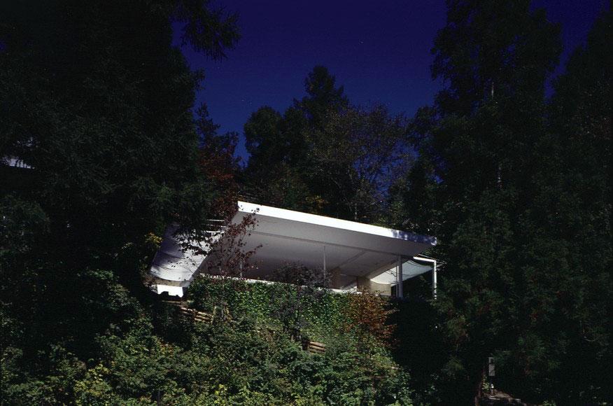 Exterior - Wall-less House in Nagano / Shigeru Ban