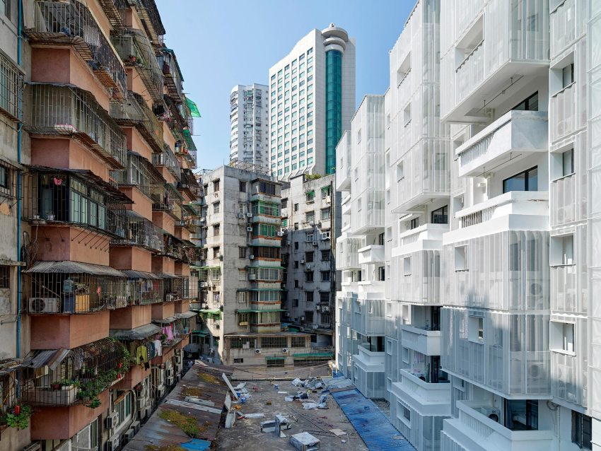 City integration - THE VILLAGE Apartments in Guangzhou / TEAM_BLDG