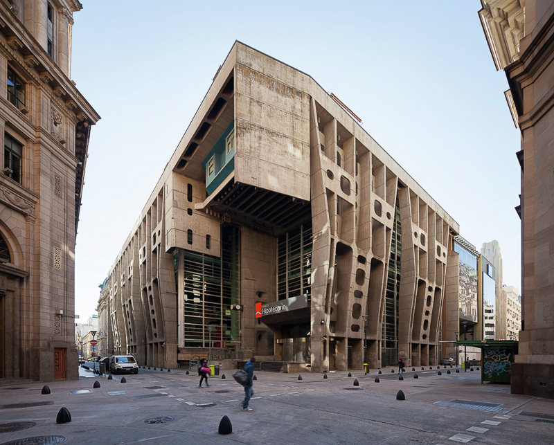 Exterior Image - Bank of London in Buenos Aires / Clorindo Testa & SEPRA Studio