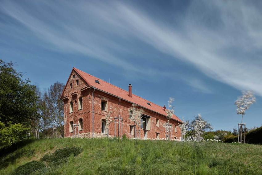 Front side View - House Inside a Ruin in Czech Republic / ORA Architects