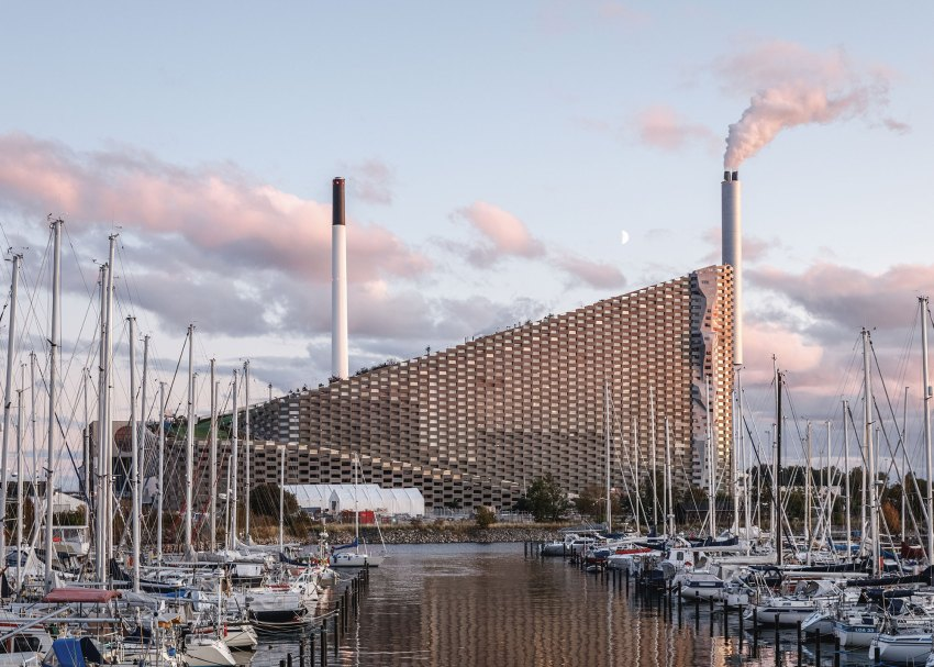Climbing Wall of the CopenHill Waste-to-Energy Plant & Sport Facility / BIG-by-Laurian-Ghinitoiu