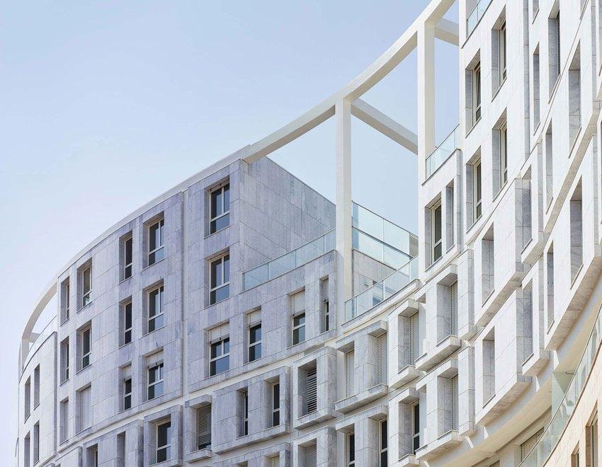 Residenze Calo Erba in Milan / Eisenman Architects + Degli Esposti Architetti + AZstudio