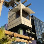 Detail - Exterior view - Norton House in Venice Beach / Frank Gehry
