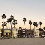 View form Venice Beach - Norton House in Venice Beach / Frank Gehry