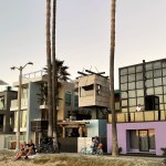Exterior view - Norton House in Venice Beach / Frank Gehry