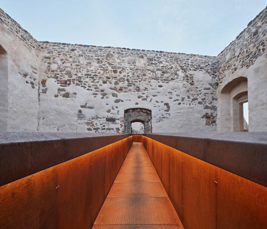Helfštýn Castle Palace Reconstruction / Atelier-r