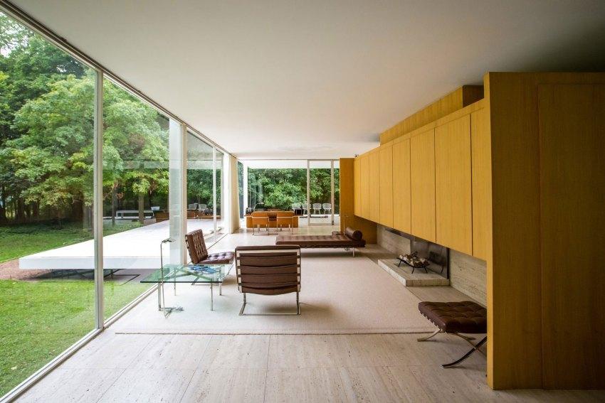 Living Area The Farnsworth House / Mies van der Rohe